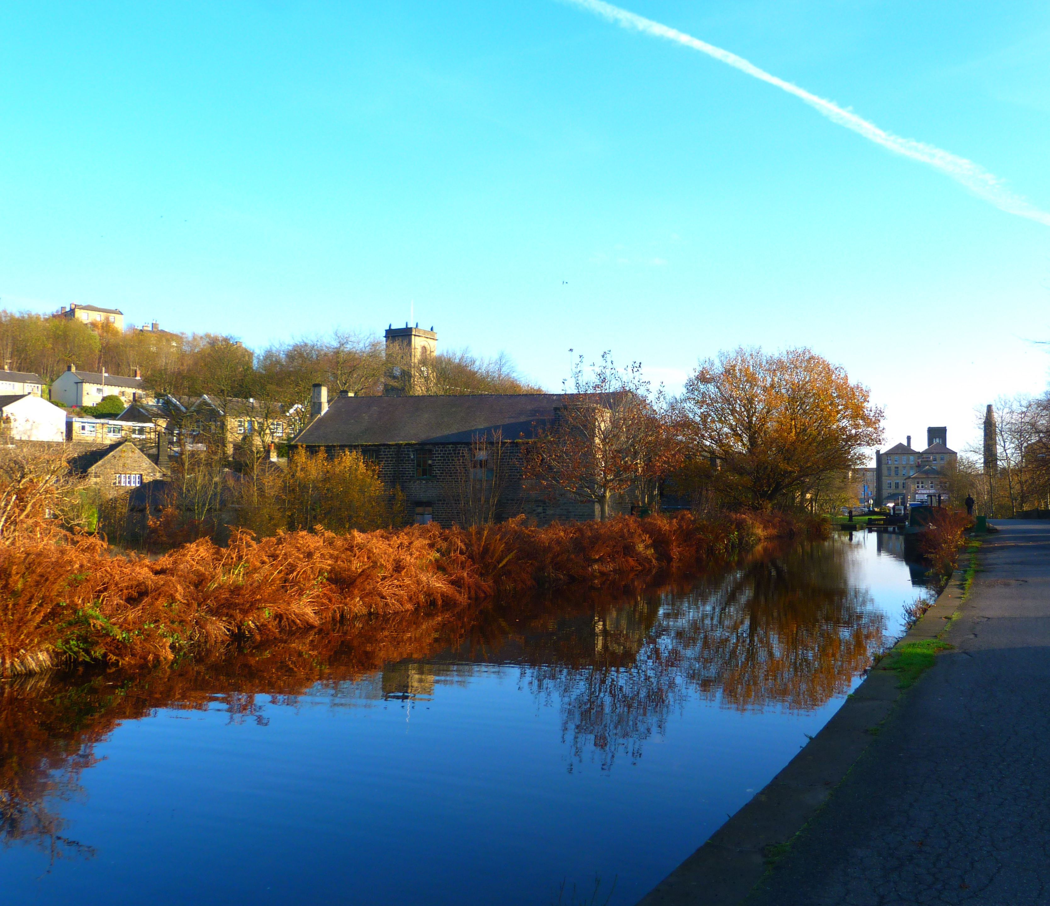 "Garden Landscaping In Halifax Huddersfield West: A ""Slawit"" Autumn……….on The Huddersfield Canal"