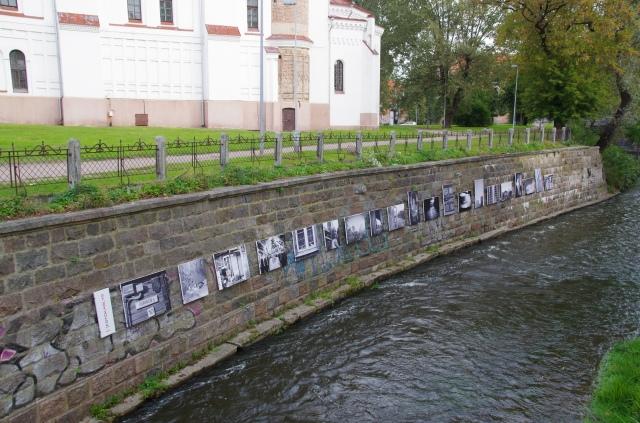 River art…………