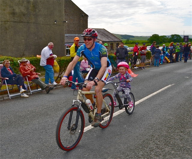 Keep pedalling dad, the peloton is catching up..........