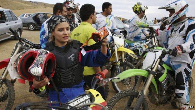 _83561329_biker