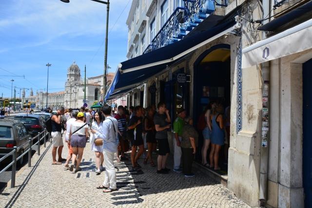 People queuing at the famous Antiga Confeitaria de Belem