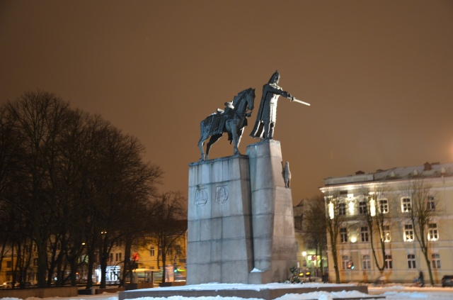 Statue of Grand Duke Gediminas in Cathedral Square