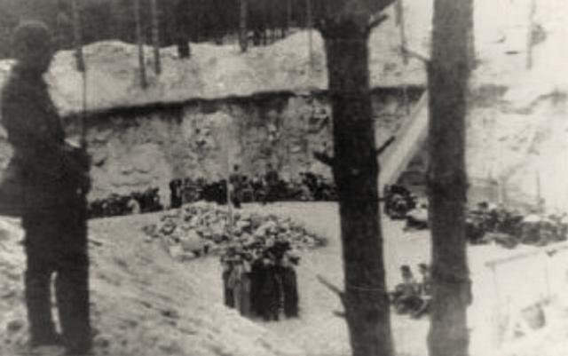 Ponary_June-July_1941.jpg